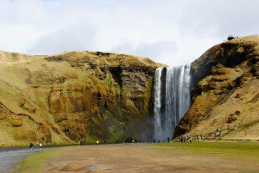 <海外キャンプ>絶景だらけのアイスランド、DAY6。「黒い海辺と裏見の滝」
